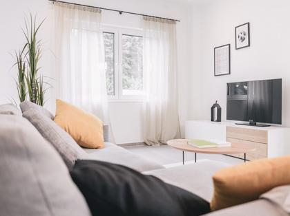 eine holding vier starke marken dfh ag. Black Bedroom Furniture Sets. Home Design Ideas